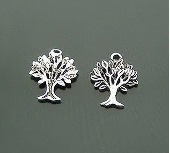 Decorating apple tree charms for scrapbooking need