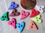 plastic fancy forvest heart buttons