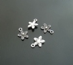 Flower shaped alloy charms